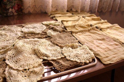 泉北レモンの草木染刺繍コースターと巾着袋